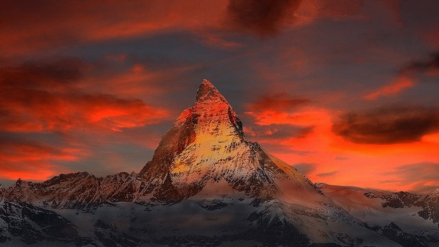 Wintervacation in Switzerland - Executive Limousines Services - Zermatt - Matterhorn - Gornergrat - Snow and Alps in Switzerland